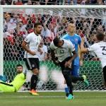 Alemania abruma 3-0 a Eslovaquia y espera afila a su próximo rival
