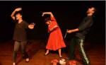 Escenas de la obra  Sopa de muñecas .  Ana ( Dinah Ipsen) sufre violencia y en defensa propia mata a su marido Antonio (René Medina). LAPRENSA/ROBERTO FONSECA