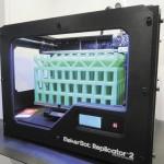 Adolescente imprime mano en 3D para su hermano