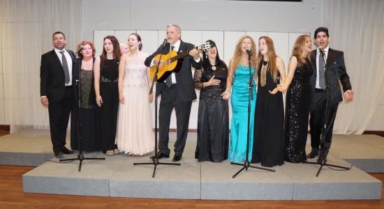 Músicos celebran bicentenario de la Independencia de Argentina