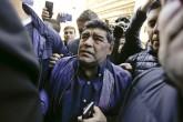 Diego Maradona dispuesto a entrenar gratis a Argentina