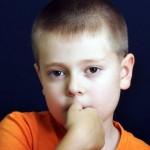 ¿Comerse las uñas previene las alergias?