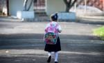 Según la Academia Americana de Pediatría, un niño no debe cargar más del 10 o 15 por ciento de su peso. LA PRENSA/R. FONSECA