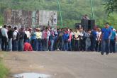 Maestros bloquean aeropuerto de México como protesta