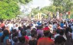 Una multitud acompañó hasta su última morada   al sacerdote franciscano Capuchino Evaristo Bertrand. LA PRENSA/A.LORÍO