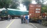 El accidente entre dos cabezales ha provocado embotellamiento vehicular a la altura del kilómetro 129 de la carretera Chinandega-León. LA PRENSA/S. MARTÍNEZ