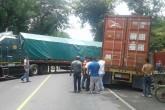 Accidente paraliza tráfico internacional