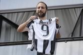 Gonzalo Higuaín bien recibido en Turín