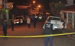 La revisión de la escena del asesinato del jefe de la Policía de Boaco, comisionado mayor Buenaventura Miranda Fitoria, concluyó aproximadamente a las cuatro de la mañana de este 28 de julio. LA PRENSA/M. CRUZ