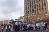 Ciudadanos protestan frente a la Asamblea Nacional