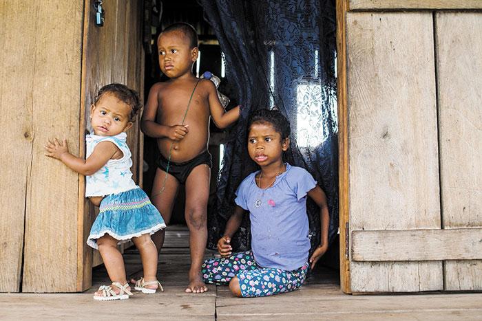 Más de 200 niños miskitos nicaragüenses están refugiados en comunidades fronterizas de honduras. Solo en Pranza contabilizaron 93 menores de 12 años. Foto Cortesía de Cejudhcan/Alex McDougall