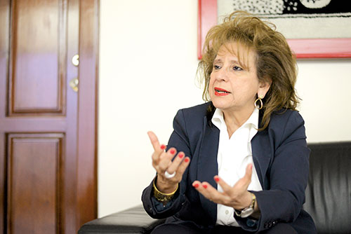 """""""Donde ya incluyen a los comunicadores sociales, sitios web, redes sociales, presentadores, ese artículo está excediéndose a lo que dice la Ley Electoral"""". Rosa Marina Zelaya, expresidenta del CSE."""