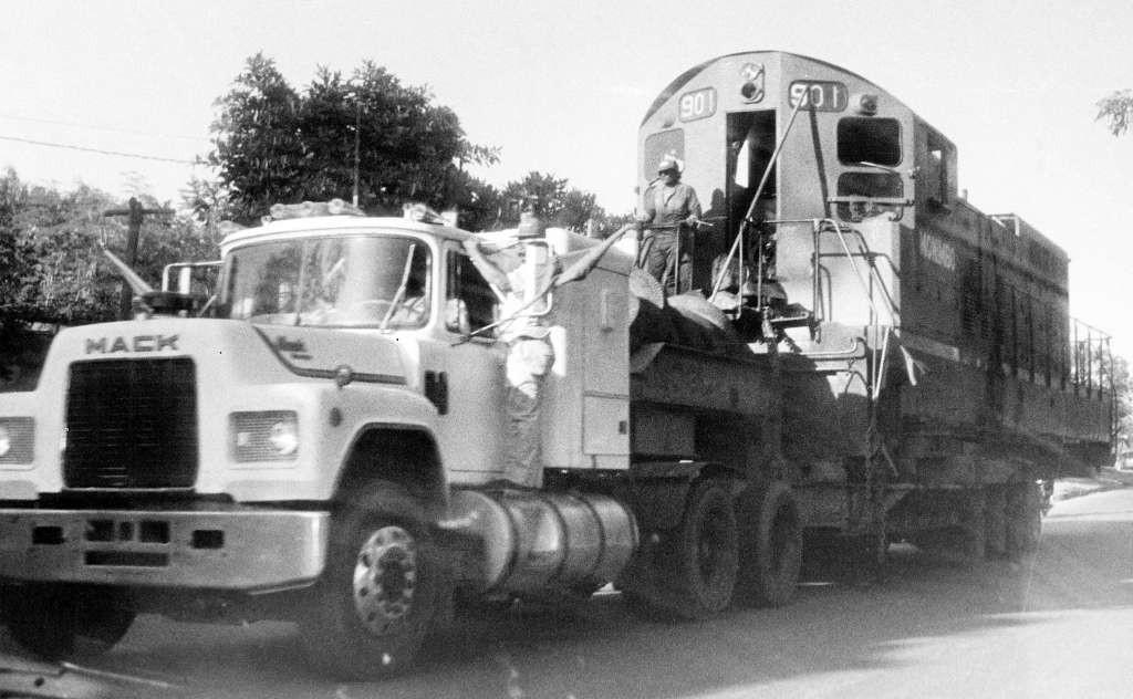 Los últimos restos del ferrocarril fueron trasladados en noviembre de 1994 hacia el puerto de Corinto, para ser embarcado al país donde fueron vendidos como chatarra por el gobierno. LAPRENSA/Archivo