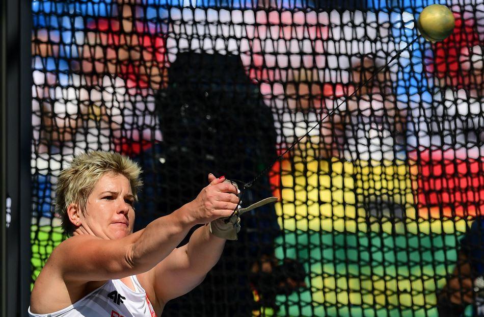 La lanzadora polaca es la única mujer que ha superado la barrera de los 80 metros en la historia. LA PRENSA/AFP/FRANCK FIFE