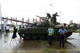 """Exposición de armamento ruso """"innecesaria demostración"""", dice presidente tico"""