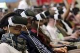 Amantes de la realidad virtual llenan Gamescom