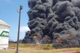 Fuego persiste en tanques de Puma Energy