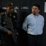 Mineros bolivianos se enfrentan con la policía  en la localidad de Panduro. Bolivia. En este lugar fue asesinado el viceministro boliviano Rodolfo Illanes. LA PRENSA/ EFE/MARTIN ALIPAZ