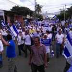 Sociedad civil marchó acosada por fuerzas de choque del gobierno