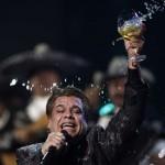 Recordá las canciones más famosas de Juan Gabriel