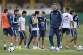 Edgardo Bauza dirige su primer entrenamiento con Argentina