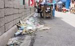 Varias calles del Reparto San Juan en Jinotepe lucen sucias. Según los vecinos del lugar, los comerciantes no tienen reparo en botar desechos y muchos de ellos hasta hacen sus necesidades fisiológicas en las aceras. LA PRENSA/M.GARCÍA