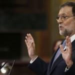 El candidato del PP, Mariano Rajoy, durante una de sus intervenciones en las réplicas a los portavoces de las diferentes formaciones, en la segunda sesión del debate de su investidura que se ha reanudado esta mañana en el Congreso de los Diputados. LA PRENSA/EFE