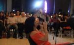La actriz y cantante Evelyn Martínez durante el cierre del I Festival de Teatro dedicado a Pepe Prego. LA PRENSA/MANUEL ESQUIVEL.