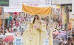 Durante el día central de la celebración, miles de feligreses en Matagalpa,  acompañan la procesión de la virgen de La Merced. LA PRENSA/ARCHIVO/LUIS E. MARTÍNEZ