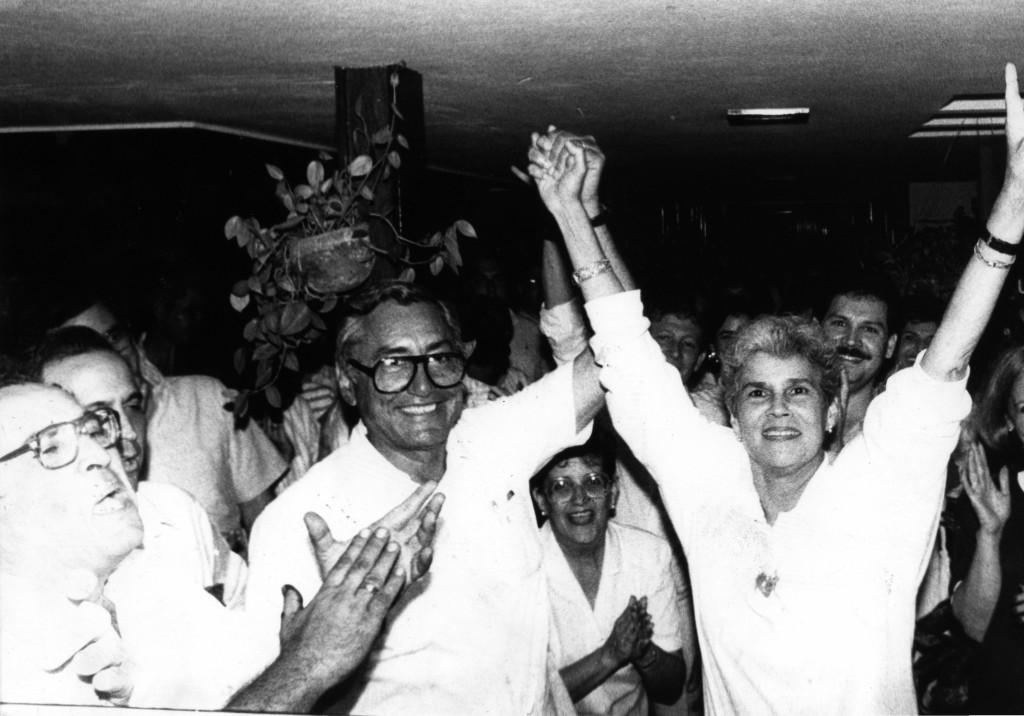 Virgilio Godoy y Violeta Chamorro, formula presidencial de la UNO, febrero 25 de 1990. LA PRENSA