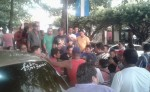 Los cadetes se plantaron frente a la alcaldía para demandar a la alcaldesa sandinista María del Tránsito Guevara, que no siga entregando permisos para la circulación de triciclos. LA PRENSA/SAÚL MARTÍNEZ
