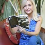Blanca Castellón publica en Nueva Zelanda un libro bilingüe de lo selecto de su poesía
