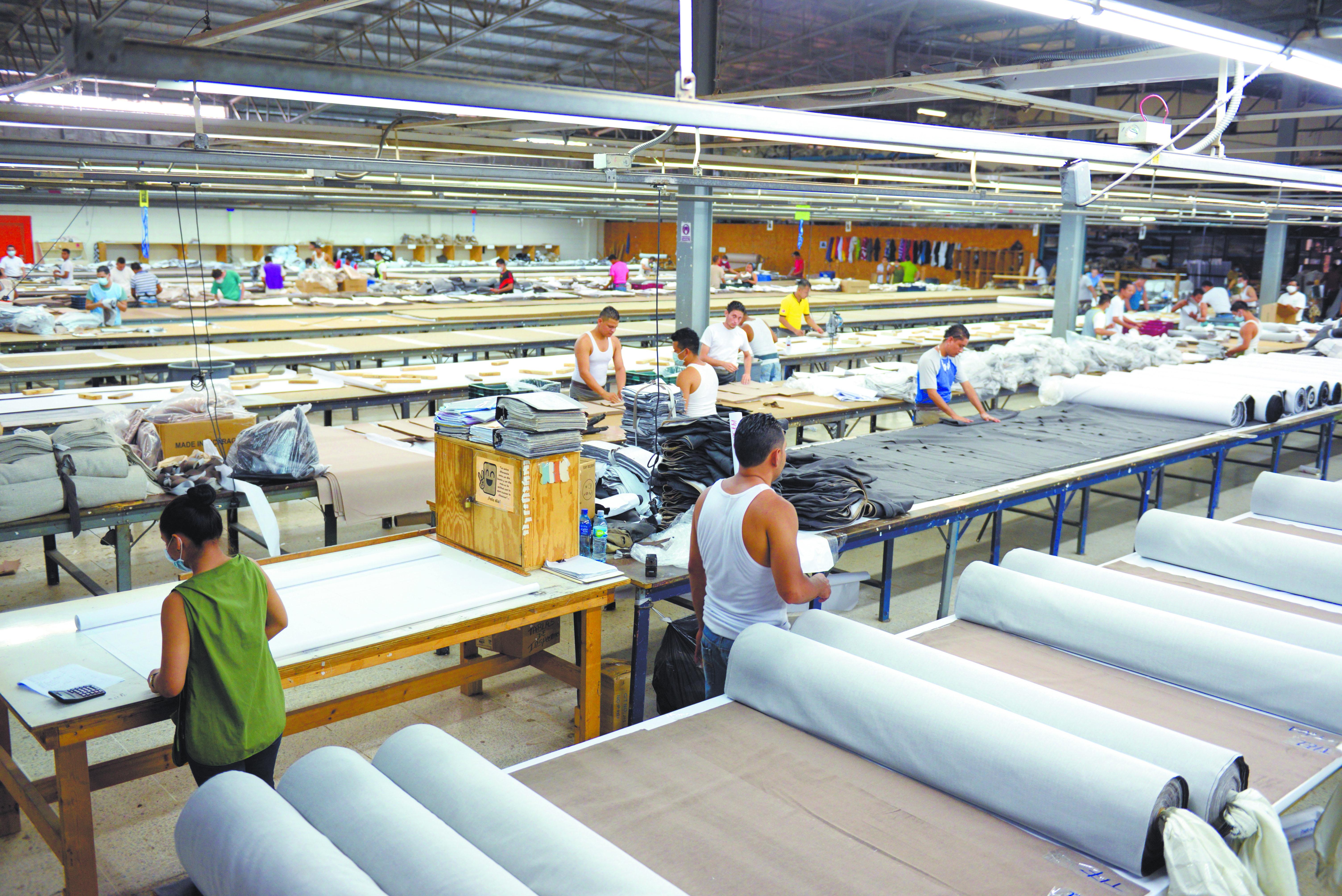 Zona Franca Reduce Dependencia Con Diversificaci N La Prensa # Muebles Zona Franca