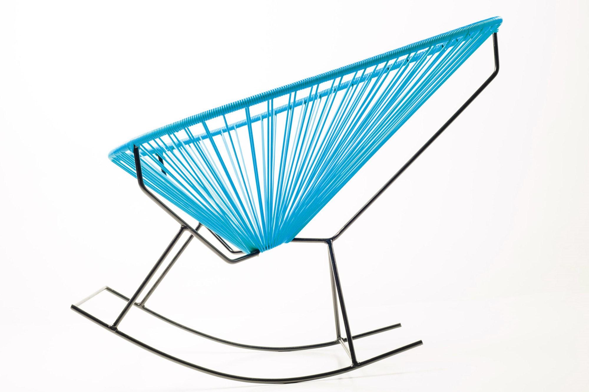 Vista su mecedora y disfrute de su confort la prensa - Sillas de plastico para terraza ...
