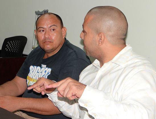 Otro falso abogado de nombre Rommel José Ríos Mondragón (Izquierda) fue acusados de los delitos de estafa, ejercicio ilegal de profesión y usurpación de títulos. Juez le dictó medidas alternas a la prisión preventiva. LA PRENSA/ A. FLORES