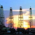 Analistas dudan de que el precio del petróleo supere los 100 dólares