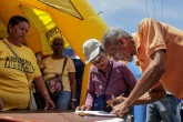"Oposición venezolana ensaya un ""firmazo"" contra Maduro"
