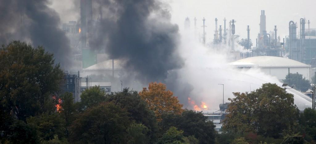 Varias personas se encuentran desaparecidas luego de la explosión en una planta química en Alemania. LA PRENSA/AFP/MICHAEL DEINES