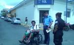 El ciego Beymar Eugenio Ortiz Espinoza pide al Gobierno una indemnización por haber caído en un manjol sin tapa en Dolores, Carazo. LA PRENSA/L. VARGAS