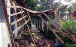 El preescolar del Barrio Noel Wheelock, se vio afectado por el derrumbe del techo de madera y tejas. La alcaldía de Ocotal realizó inspecciones en horas de la mañanan encontrando derrumbes y daños severos en la calle principal de acceso al barrio 19 de julio. LA PRENSA/A. LORÍO