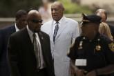 Fiscales: Cosby usó fama y fortuna para ocultar sus crímenes