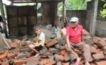 Eduvige Andrés Velázquez Quintero, de 71 años,  no recibió las láminas de zinc que entregó el gobierno en el sector de Miralago, en Momotombo, LA PRENSA/E.LÓPEZ