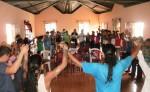 Unos 50 jóvenes indígenas de Totogalpa,  en Madriz, esperaban ayer estar con los 20 representantes de Jamaica, Canadá, Estados Unidos, México y Guatemala y que desde el martes están varados en la frontera. LA PRENSA/W. ARAGÓN