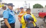 Según las estadísticas policiales, en León el 10 por ciento de los motociclistas  no usan casco de protección. Se estima hay unas 26 mil motos. LA PRENSA/E. LOPEZ