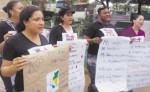 """""""Ni una muerta más, las queremos vivas"""", dijeron las mujeres en el cementerio. LA PRENSA/I. LACAYO"""