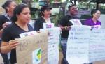 """Ni una muerta más, las queremos vivas"""", dijeron las mujeres en el cementerio. LA PRENSA/I. LACAYO"""