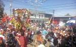La subida ayer domingo de San Miguel Arcángel, en Masaya. LA PRENSA/ NOEL GALLEGOS