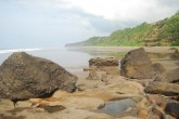 Hallan un cadáver flotando en una playa en Chinandega