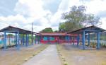 En el nuevo mercado de San Marcos, Carazo, solo hacen falta las puertas de algunos módulos.  La inversión supera los cuatro millones de córdobas. LA PRENSA/M. GARCÍA