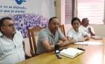 Byron Chamorro y Jorge Adolfo Blandón denuncian ante Wendy Flores y Gonzalo Carrión, del Cenidh. LA PRENSA/ E. ROMERO